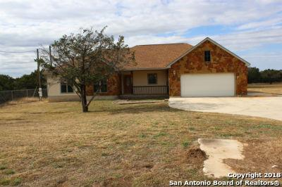 605 Riverside Dr, Pipe Creek, TX 78063 (MLS #1354614) :: Alexis Weigand Real Estate Group
