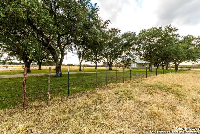 5100 Alternate 90, Seguin, TX 78155 (MLS #1354701) :: Alexis Weigand Real Estate Group