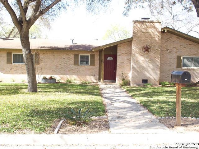706 Airline Dr, Uvalde, TX 78801 (MLS #1354906) :: Exquisite Properties, LLC