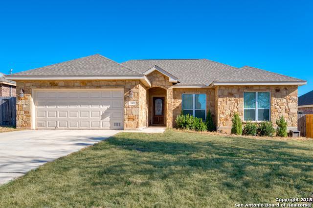 109 Ridgecrest, Floresville, TX 78114 (MLS #1355045) :: The Mullen Group | RE/MAX Access