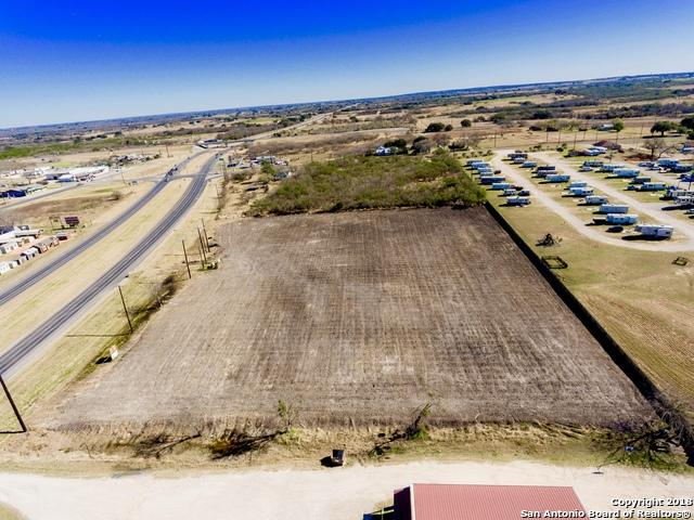 12156 Us Highway 87 S, Adkins, TX 78101 (MLS #1355421) :: Exquisite Properties, LLC