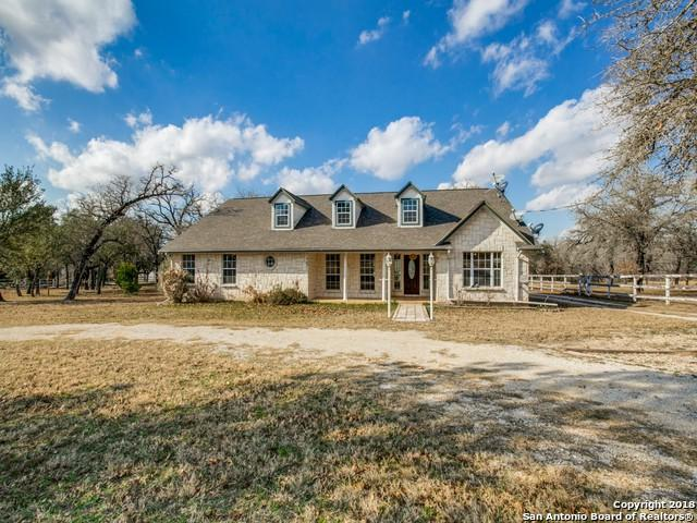 837 Paddy Rd, Floresville, TX 78114 (MLS #1355965) :: Exquisite Properties, LLC