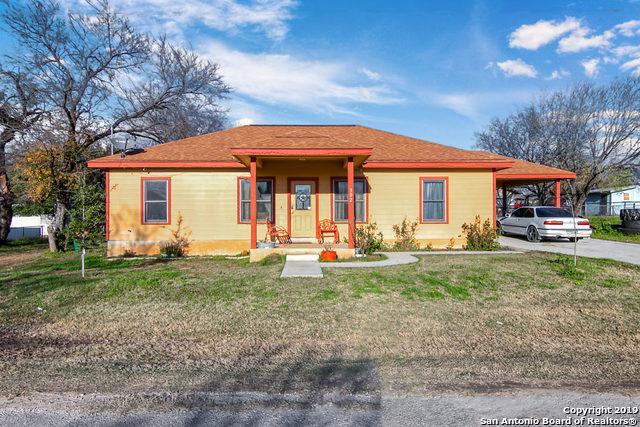 302 Palfrey St, Natalia, TX 78059 (MLS #1355982) :: ForSaleSanAntonioHomes.com