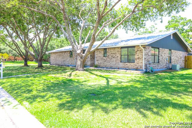 1250 Hollyhock Ln, New Braunfels, TX 78130 (MLS #1356322) :: Alexis Weigand Real Estate Group