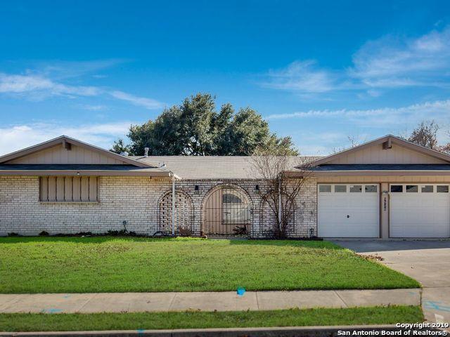 5526 Castle Top, San Antonio, TX 78218 (MLS #1356380) :: Exquisite Properties, LLC