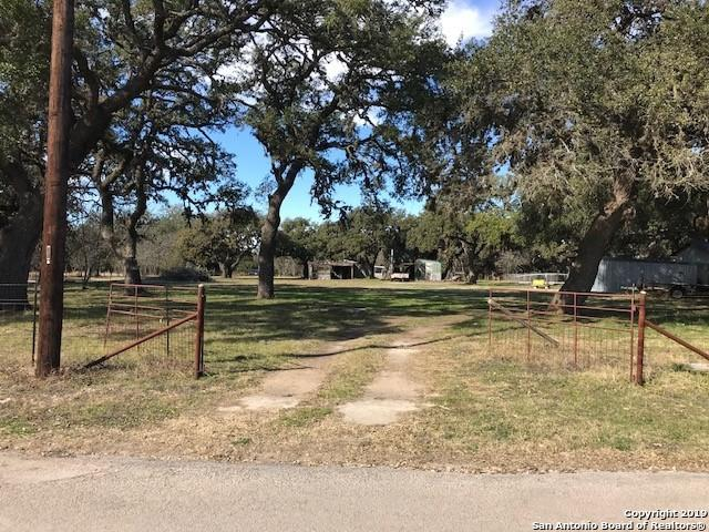 1221 Mesquite St, Blanco, TX 78606 (MLS #1356420) :: Alexis Weigand Real Estate Group