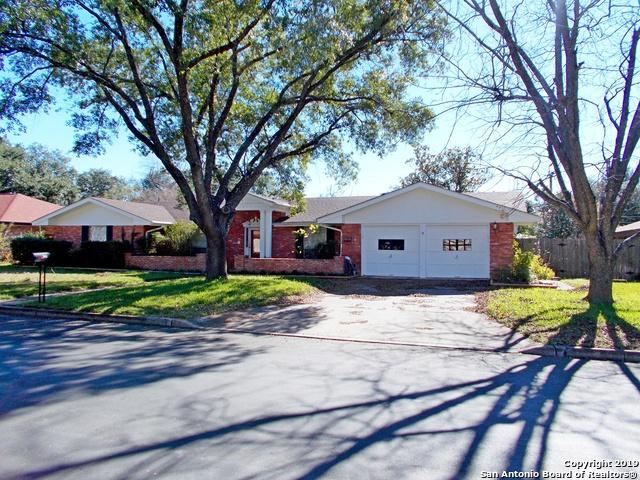 430 Crestwind Dr, Windcrest, TX 78239 (MLS #1356451) :: Alexis Weigand Real Estate Group