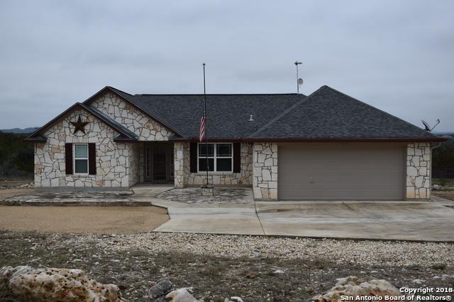 129 Rapids Circle, Bandera, TX 78003 (MLS #1356733) :: ForSaleSanAntonioHomes.com