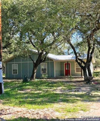 80 N 2ND ST, San Antonio, TX 78069 (MLS #1356767) :: The Mullen Group | RE/MAX Access