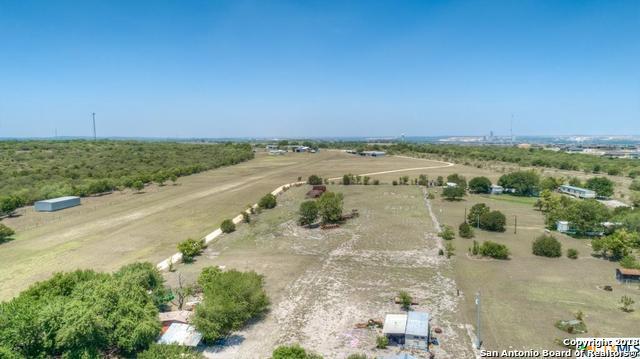 2188 Fm 1044, New Braunfels, TX 78130 (MLS #1356919) :: Vivid Realty