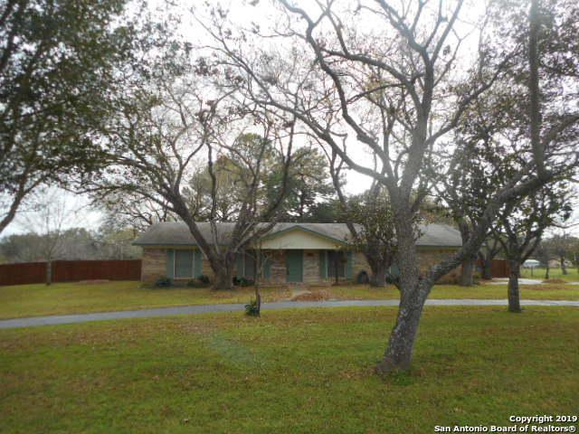 206 Brian Dr, Pleasanton, TX 78064 (MLS #1357339) :: Exquisite Properties, LLC