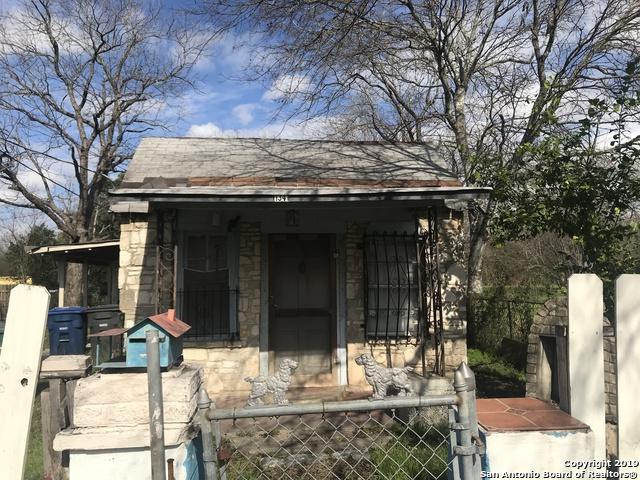 1341 Essex St, San Antonio, TX 78210 (MLS #1357761) :: Alexis Weigand Real Estate Group