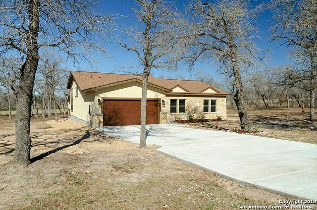229 Great Oaks Blvd, La Vernia, TX 78121 (MLS #1358254) :: Alexis Weigand Real Estate Group