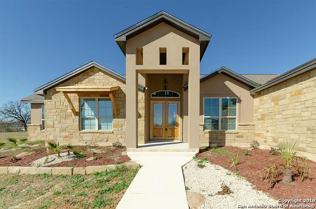 121 Champions Blvd, La Vernia, TX 78121 (MLS #1358260) :: Alexis Weigand Real Estate Group