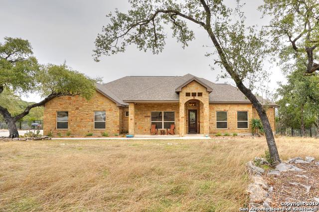 716 Shady Hollow, New Braunfels, TX 78132 (MLS #1358443) :: Berkshire Hathaway HomeServices Don Johnson, REALTORS®