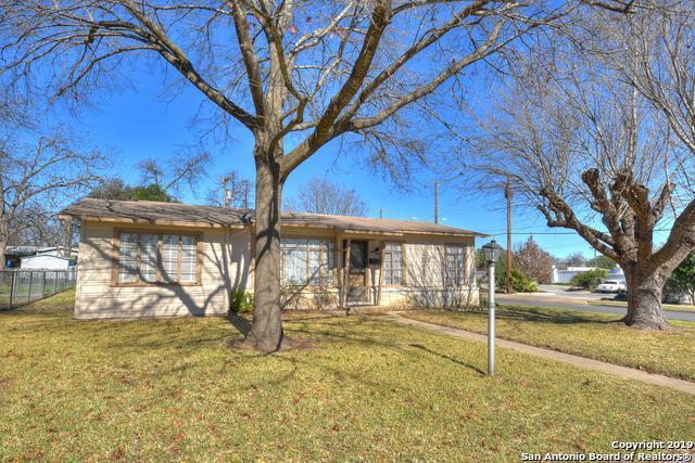 119 Mink, San Antonio, TX 78213 (MLS #1358779) :: Tom White Group