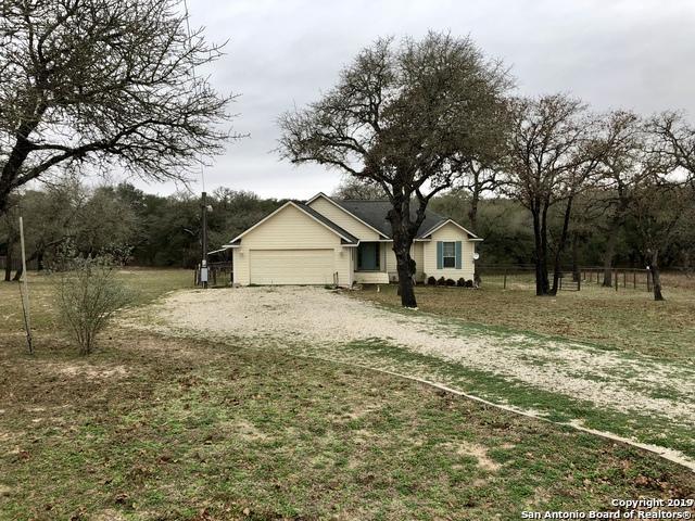 23115 White Hickory, Elmendorf, TX 78112 (MLS #1358967) :: Alexis Weigand Real Estate Group