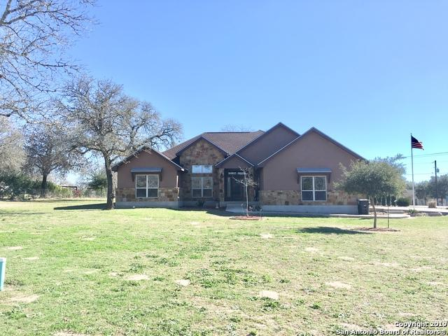 101 Rosewood Dr, La Vernia, TX 78121 (MLS #1359448) :: Alexis Weigand Real Estate Group