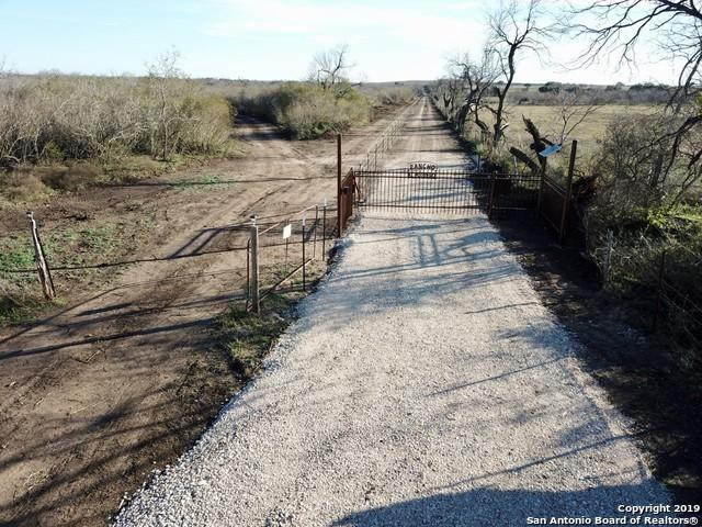 369 County Road 641, Hondo, TX 78861 (MLS #1359600) :: Alexis Weigand Real Estate Group