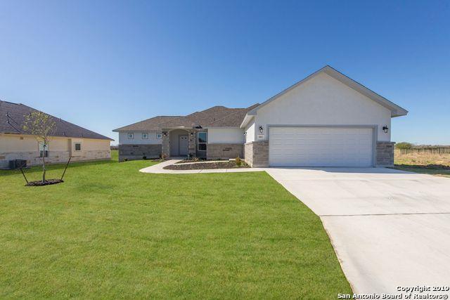 161 Fairway Dr, Floresville, TX 78114 (MLS #1359661) :: Exquisite Properties, LLC