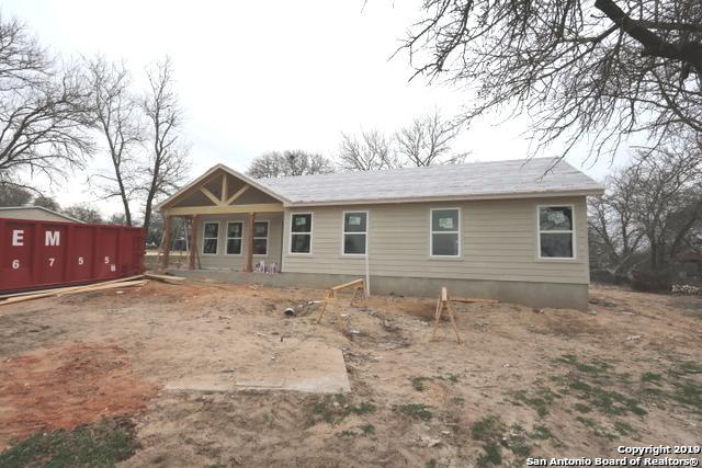 109 Spring Valley Dr, Adkins, TX 78101 (MLS #1359858) :: The Castillo Group