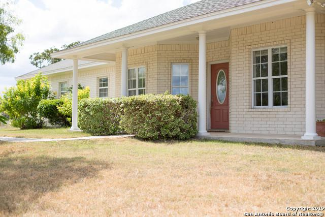 704 Lockhart Cemetery Rd, Cuero, TX 77954 (MLS #1359981) :: Alexis Weigand Real Estate Group