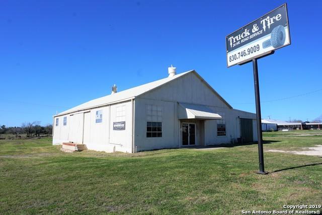 1119 S Oak St, Pearsall, TX 78061 (MLS #1360050) :: ForSaleSanAntonioHomes.com