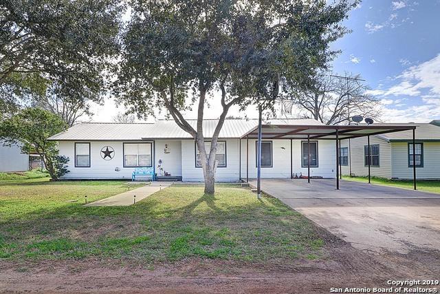 810 Orange Street, Jourdanton, TX 78026 (MLS #1360075) :: ForSaleSanAntonioHomes.com