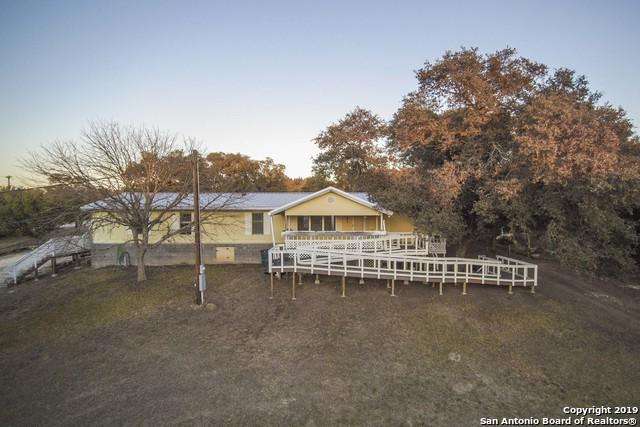 1057 Willow Dr, Canyon Lake, TX 78133 (MLS #1360550) :: Alexis Weigand Real Estate Group