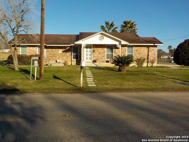 150 Country Acres Dr, Seguin, TX 78155 (MLS #1360741) :: BHGRE HomeCity