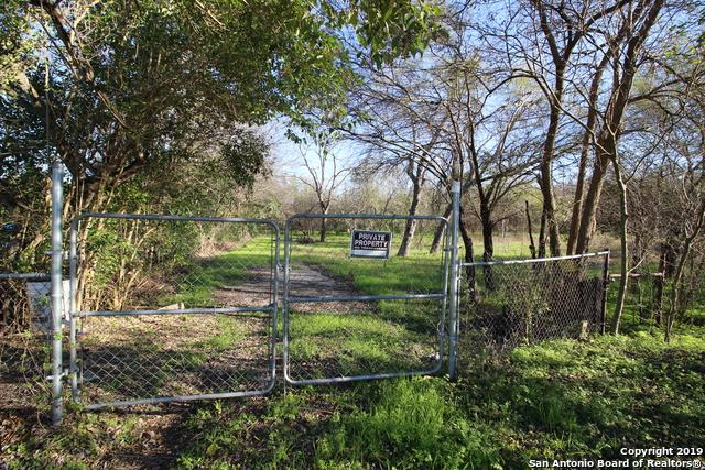 240 Floss Rd, San Antonio, TX 78214 (MLS #1361024) :: Alexis Weigand Real Estate Group