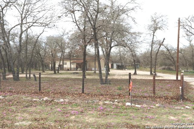 176 Oak View Dr, La Vernia, TX 78121 (MLS #1361318) :: Alexis Weigand Real Estate Group