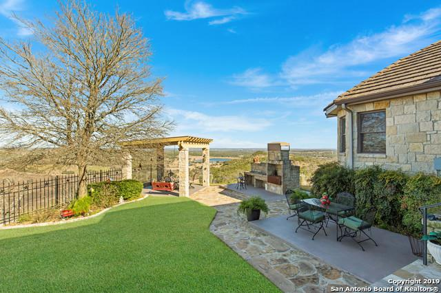 442 Paradise Point Dr, Boerne, TX 78006 (MLS #1361836) :: Berkshire Hathaway HomeServices Don Johnson, REALTORS®