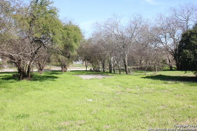 1551 Paso Hondo, San Antonio, TX 78202 (#1361967) :: The Perry Henderson Group at Berkshire Hathaway Texas Realty