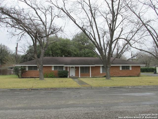 2809 Avenue I, Hondo, TX 78861 (MLS #1362131) :: Alexis Weigand Real Estate Group