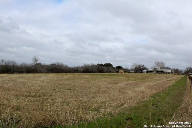 210 Berthot Ln, Seguin, TX 78155 (MLS #1362660) :: Alexis Weigand Real Estate Group