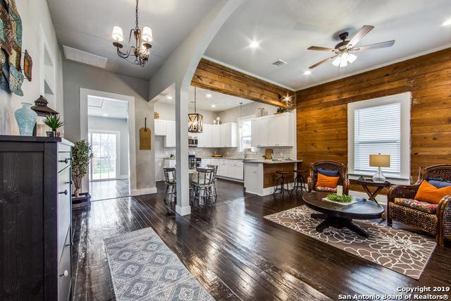 304 Regina St, San Antonio, TX 78223 (MLS #1363488) :: Alexis Weigand Real Estate Group