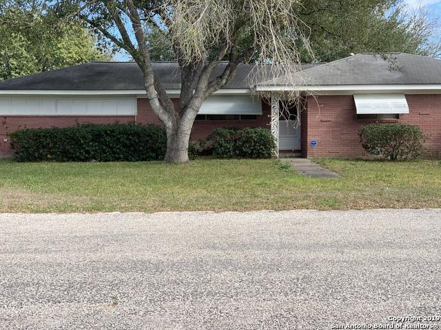 909 S 9th St, Kenedy, TX 78119 (MLS #1363653) :: Alexis Weigand Real Estate Group