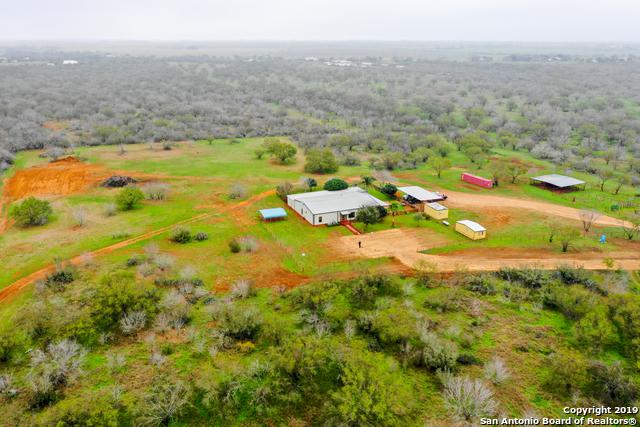 1150 Bluntzer Rd, Jourdanton, TX 78026 (MLS #1364565) :: Alexis Weigand Real Estate Group