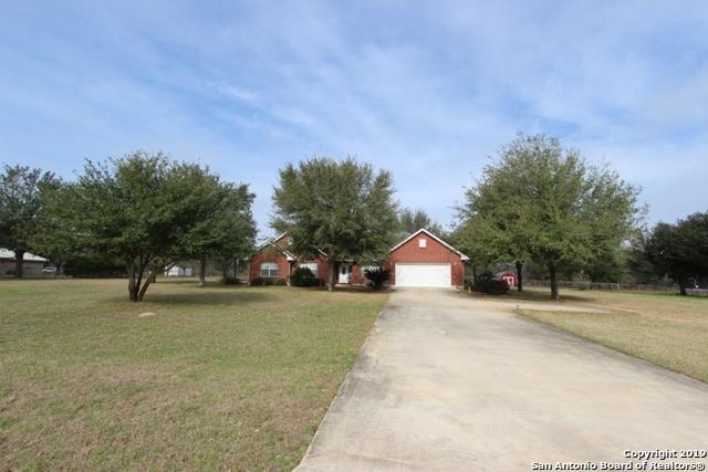89 Oak Fields Dr, Floresville, TX 78114 (MLS #1364769) :: NewHomePrograms.com LLC