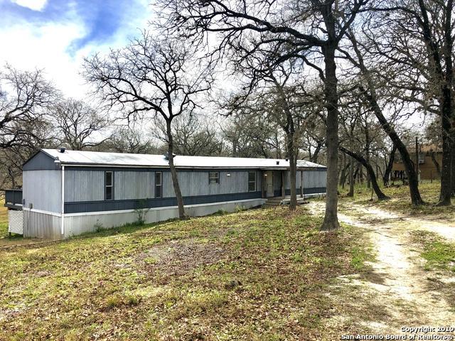 109 Lost Trail, La Vernia, TX 78121 (MLS #1364839) :: The Gradiz Group