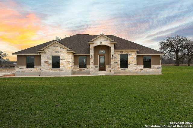 308 Abrego Lake Dr, Floresville, TX 78114 (MLS #1365011) :: ForSaleSanAntonioHomes.com