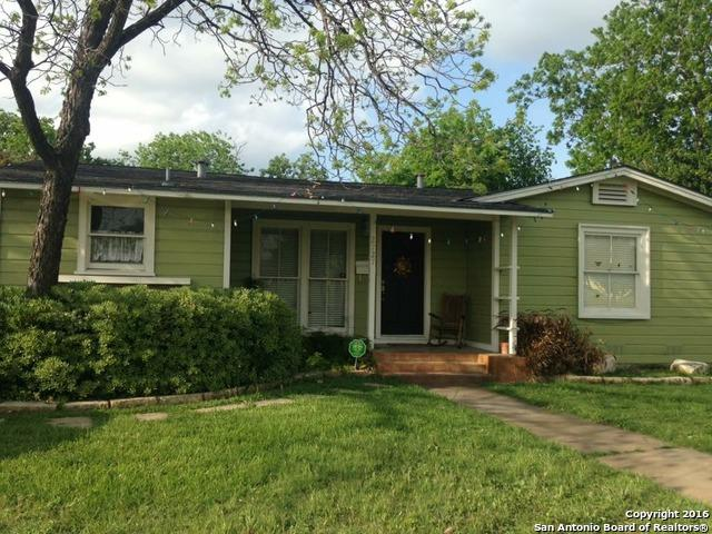 2727 W Woodlawn Ave, San Antonio, TX 78228 (MLS #1365034) :: Alexis Weigand Real Estate Group