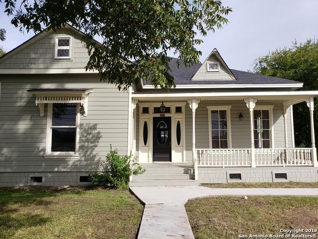 1411 N Austin St, Seguin, TX 78155 (MLS #1365406) :: Exquisite Properties, LLC