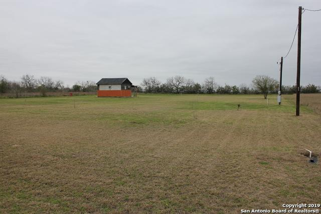 204 Gentle Breeze, Floresville, TX 78114 (MLS #1365570) :: River City Group