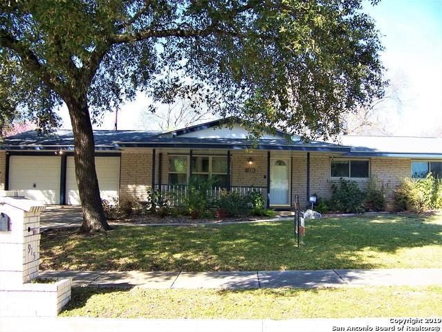 915 Mount Kisco Dr, San Antonio, TX 78213 (MLS #1365875) :: Alexis Weigand Real Estate Group