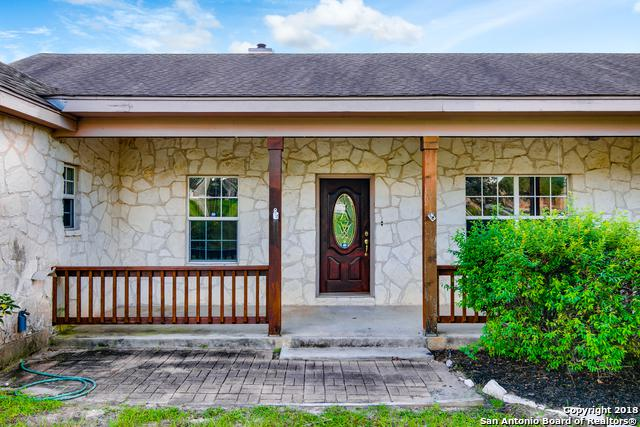 1440 Country Hills Drive, La Vernia, TX 78121 (MLS #1365904) :: River City Group