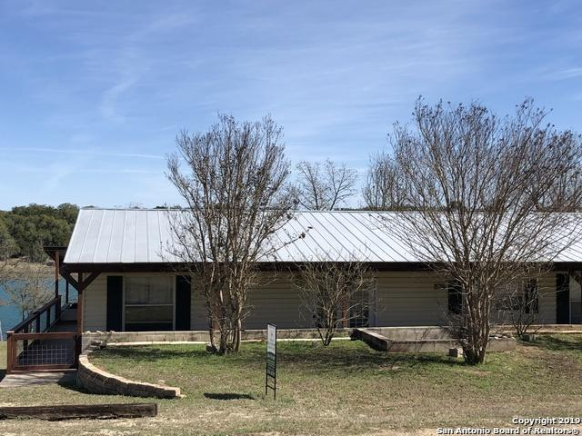 950 Lakeshore Dr N, Bandera, TX 78003 (MLS #1366066) :: River City Group