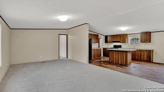 103 Hickory Hill Dr, La Vernia, TX 78121 (MLS #1366112) :: BHGRE HomeCity