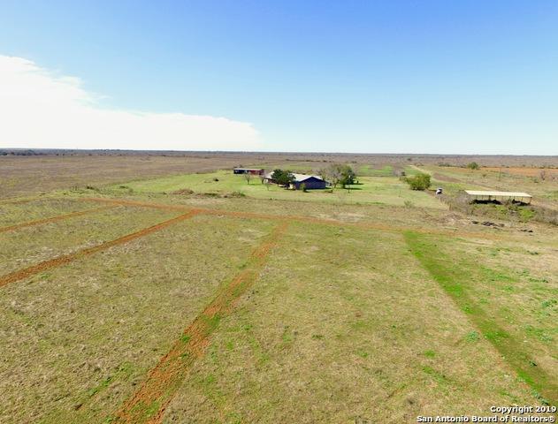 600 County Road 4843, Dilley, TX 78017 (MLS #1366137) :: Vivid Realty